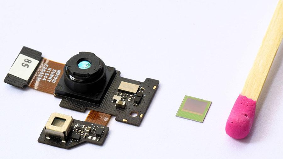 英飞凌3D 图像传感器 REAL3™(无惧阳光——在任何光线下,即便是强光下都可以精确识别)